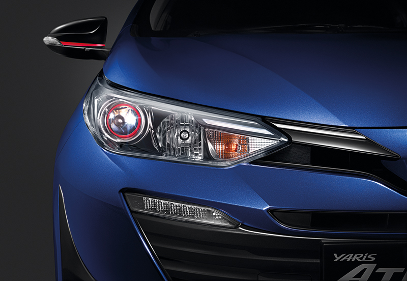 Projector-Headlamp-with-LED-Light-Guiding ใหม่ Toyota Yaris Ativ 2017 !!