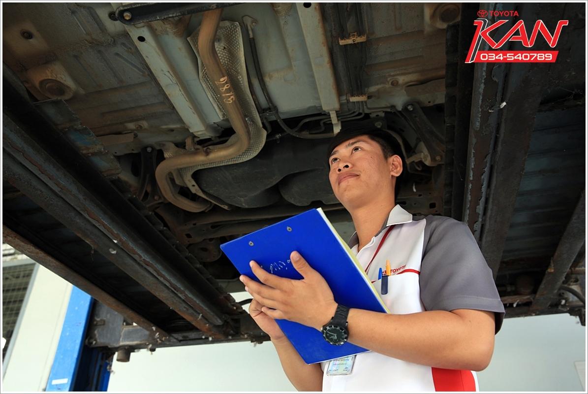 04_0Q3A7628-2 เข้าศูนย์เช็คระยะที่ ศูนย์โตโยต้า กาญจนบุรี ยืดอายุการใช้รถได้เป็น 10 ปี