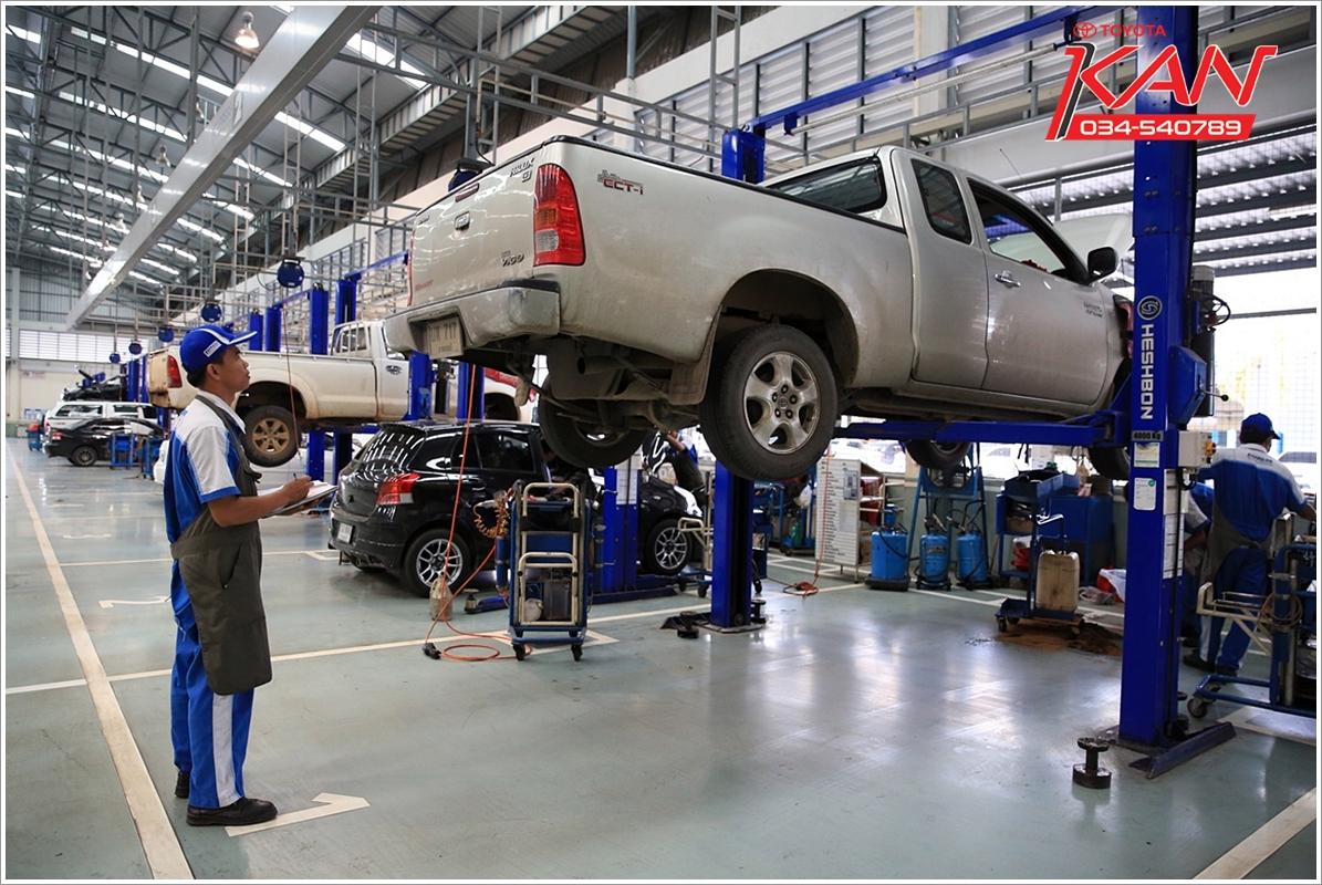07_0Q3A7965-1 เข้าศูนย์เช็คระยะที่ ศูนย์โตโยต้า กาญจนบุรี ยืดอายุการใช้รถได้เป็น 10 ปี