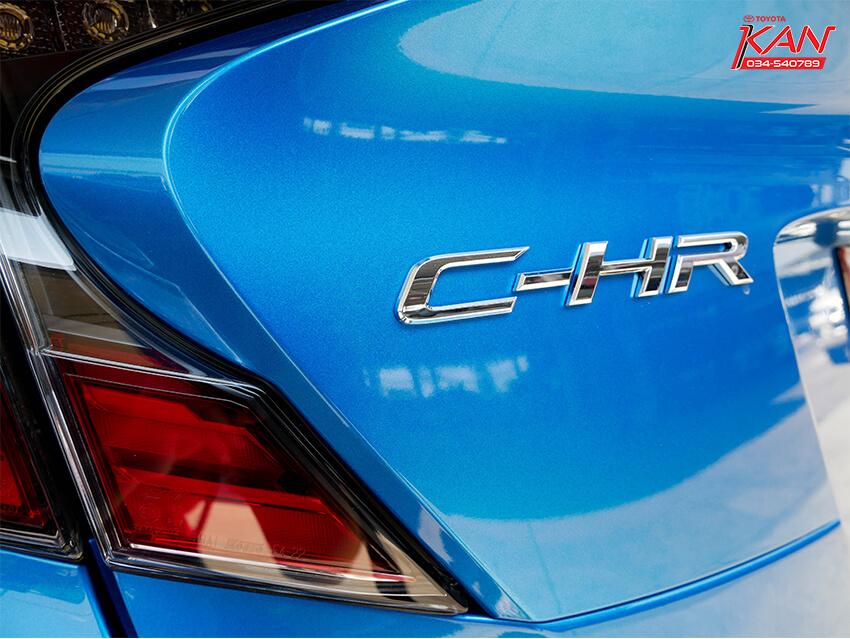 11 รีวิว Toyota C-HR ยนตกรรมแห่งอนาคต..