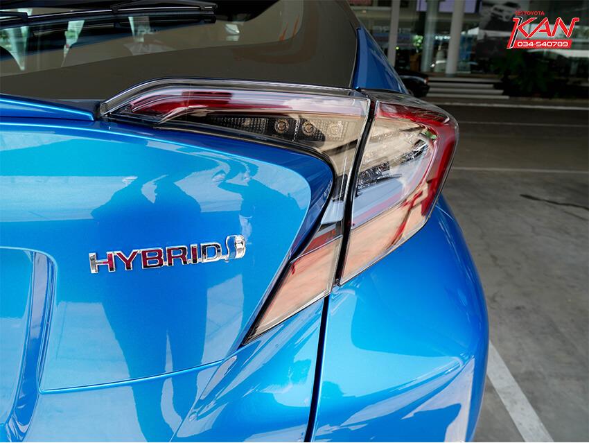 15 รีวิว Toyota C-HR ยนตกรรมแห่งอนาคต..