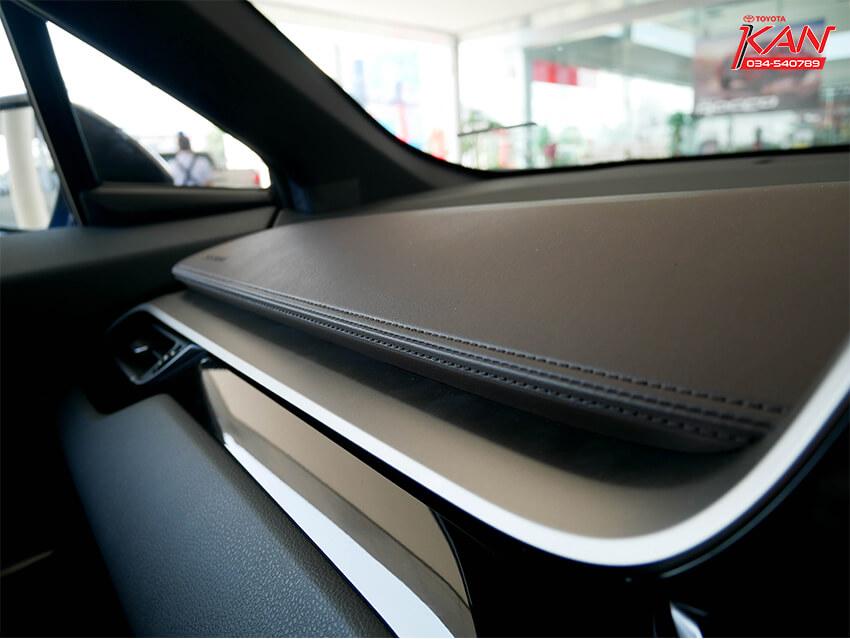 20 รีวิว Toyota C-HR ยนตกรรมแห่งอนาคต..