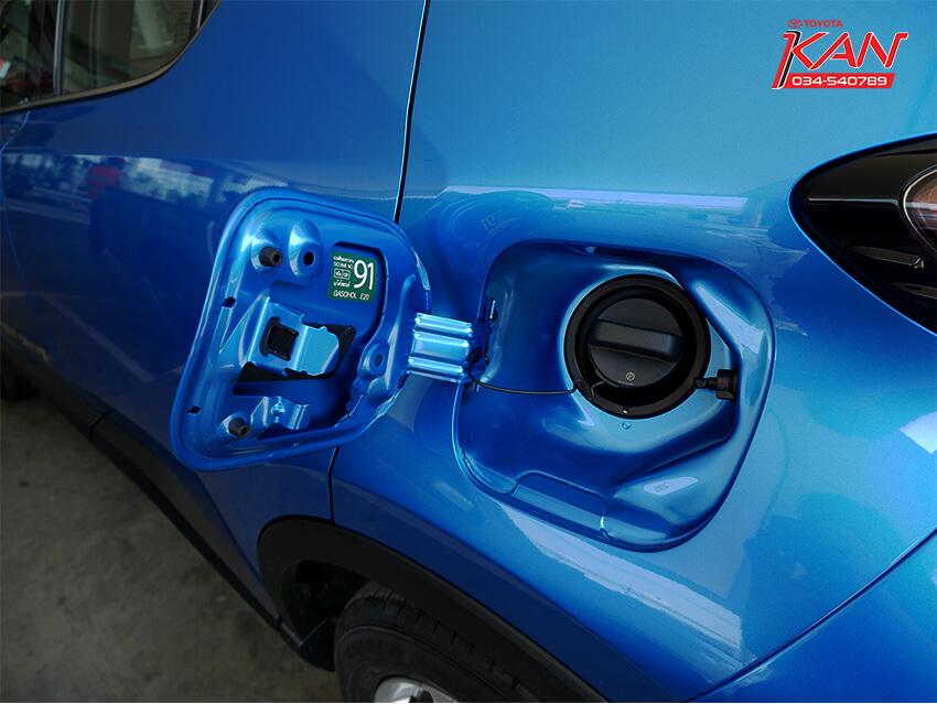 31 รีวิว Toyota C-HR ยนตกรรมแห่งอนาคต..