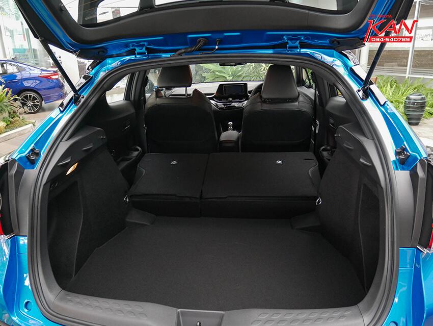 35 รีวิว Toyota C-HR ยนตกรรมแห่งอนาคต..
