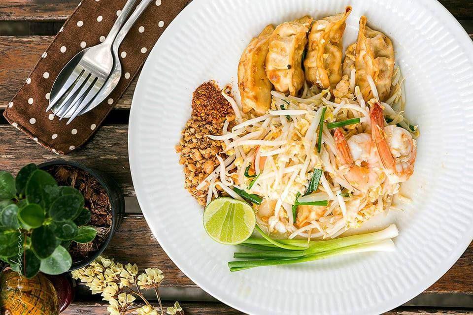 10-oclock-cafe-e1555992484494 5 คาเฟ่น่าแวะ ... ที่กาญจนบุรี