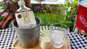 10-oclock-cafe3-300x169 5 คาเฟ่น่าแวะ ... ที่กาญจนบุรี