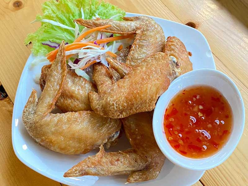 Fried-chicken ณ ริมวารี ร้านสุดโรแมนติก
