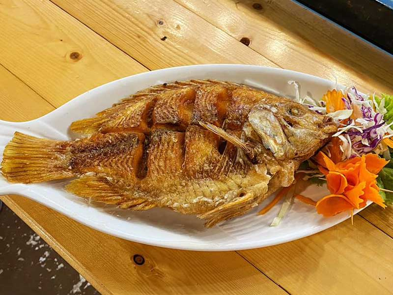 Fried-fish ณ ริมวารี ร้านสุดโรแมนติก