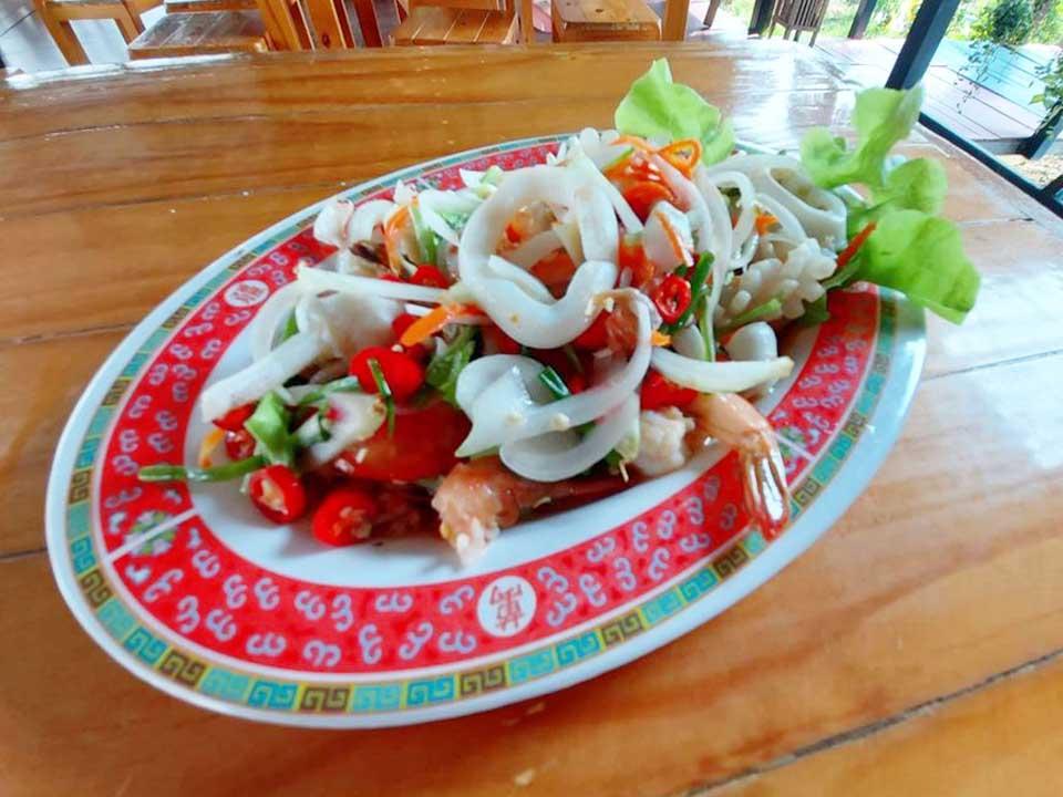 yumtaray-baannokcafe กินลมชมบรรยากาศทุ่งนา ที่ บ้านนอกคาเฟ่