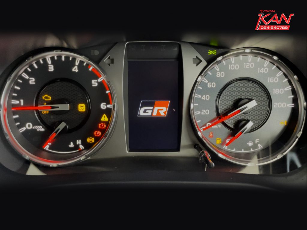 01-1024x768 รีวิว Hilux Revo GR Sport ขับเคลื่อน 4 ล้อ